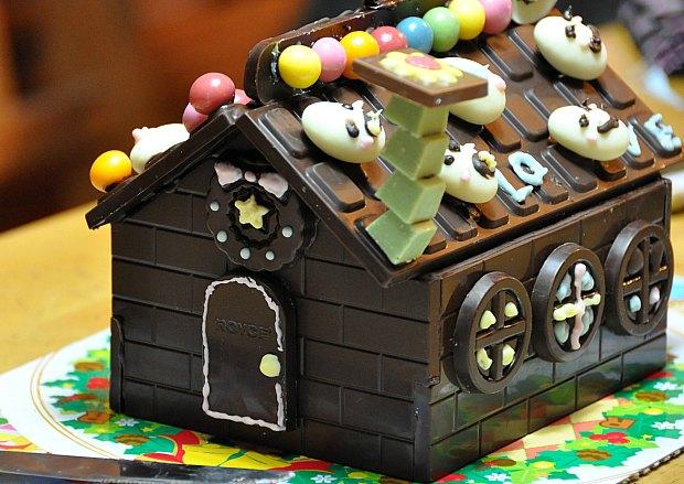 可愛いチョコおしゃれバレンタイン腕時計チョコや宇宙に猫チョコ2000円以下!